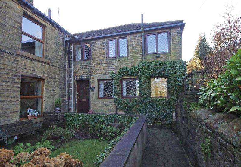 3 Bedrooms Cottage House for sale in 3 Glen Hey, Hey Lane, Scammonden, Huddersfield HD3 3FR