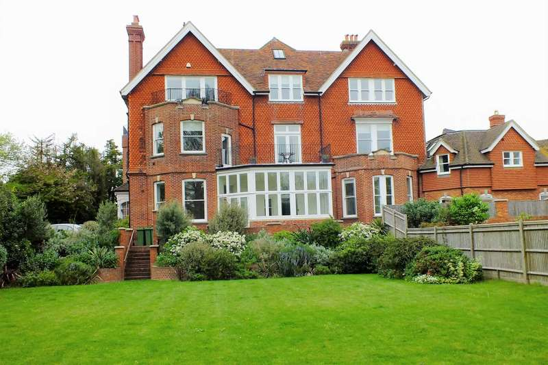 5 Bedrooms Flat for sale in Riplingham, Gaudick Road, Eastbourne
