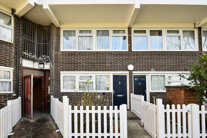 3 Bedrooms Maisonette Flat for sale in Blanchard Close SE9
