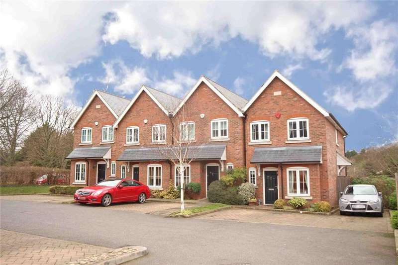 3 Bedrooms Terraced House for sale in Red Lion Court, Hatfield, Hertfordshire