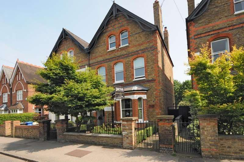 6 Bedrooms House for rent in Frances Road, Windsor