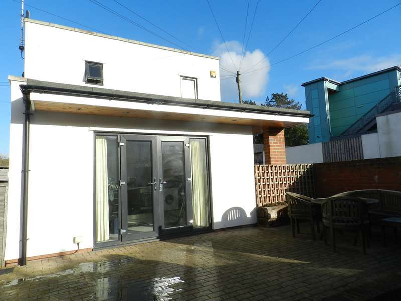 2 Bedrooms Detached House for sale in Off Queens Road GL50