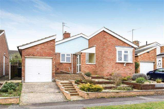 2 Bedrooms Detached Bungalow for sale in Godwin Close, Bromham