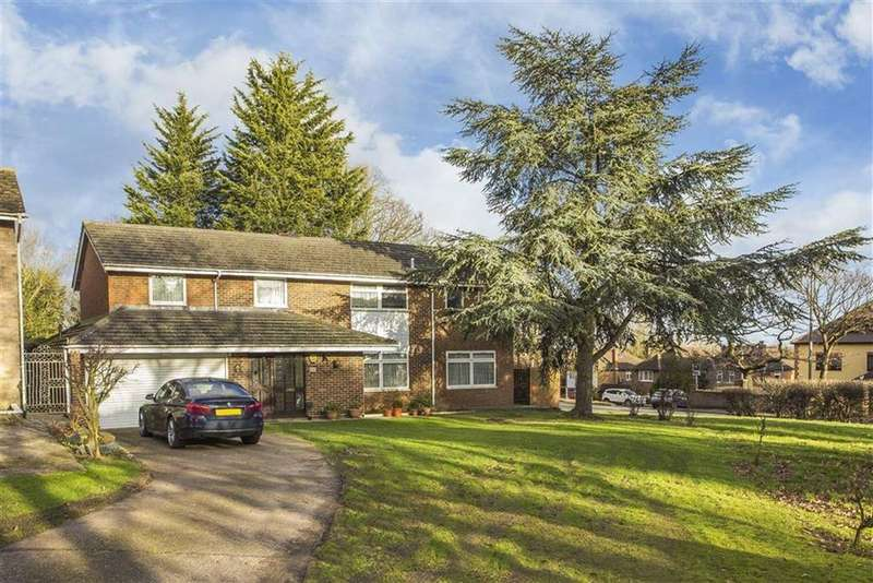 4 Bedrooms Detached House for sale in Lodore Green, Ickenham, Middlesex