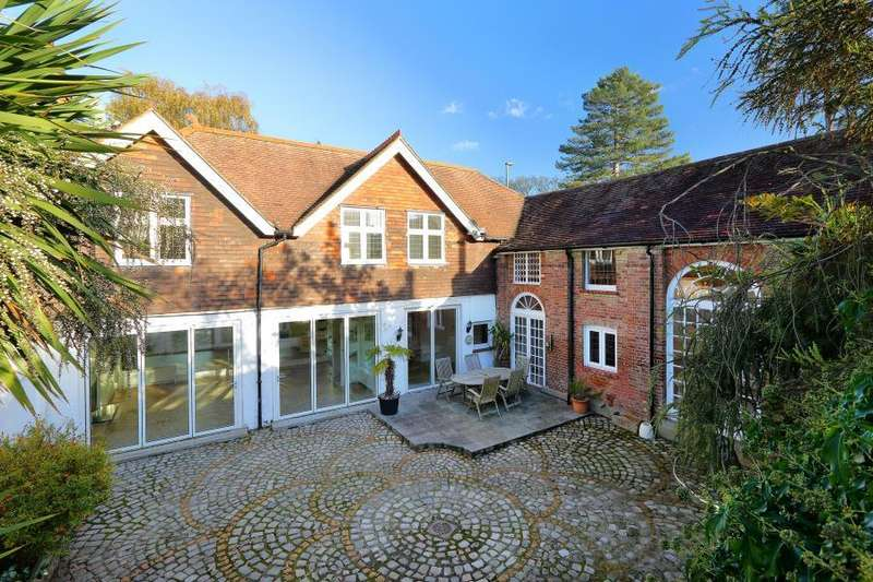 6 Bedrooms Detached House for sale in Englefield Green, Surrey