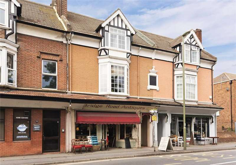 4 Bedrooms Maisonette Flat for sale in Bridge Road, East Molesey, Surrey, KT8