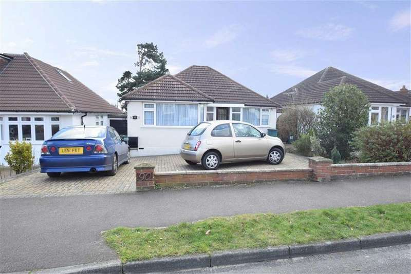 2 Bedrooms Detached Bungalow for sale in Greenfield Ave, Watford