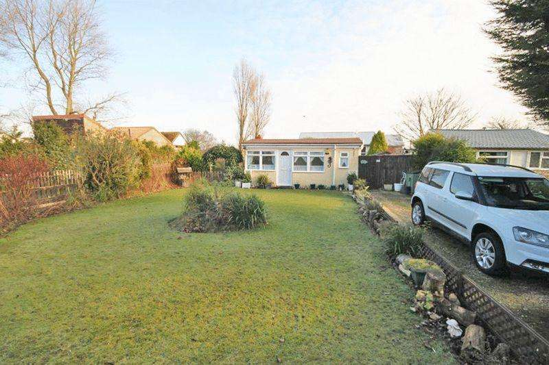 2 Bedrooms Bungalow for sale in ST ANTONYS BANK, HUMBERSTON FITTIES