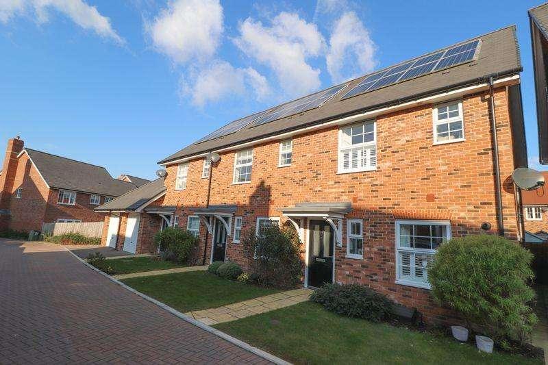 3 Bedrooms End Of Terrace House for sale in Blackthorn Avenue, Billinghurst