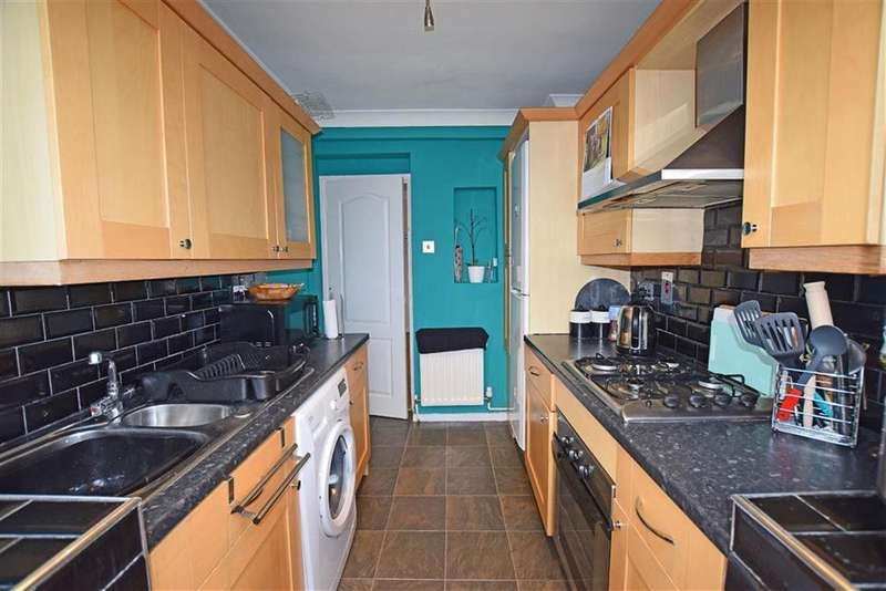 3 Bedrooms Semi Detached House for sale in Knowle Road, Worsbrough, Barnsley, S70