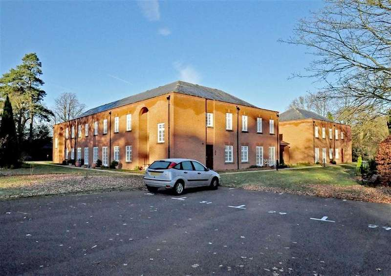 2 Bedrooms Apartment Flat for rent in 34, Sparrows Nest, Wergs Hall, Wolverhampton, South Staffordshire, WV8