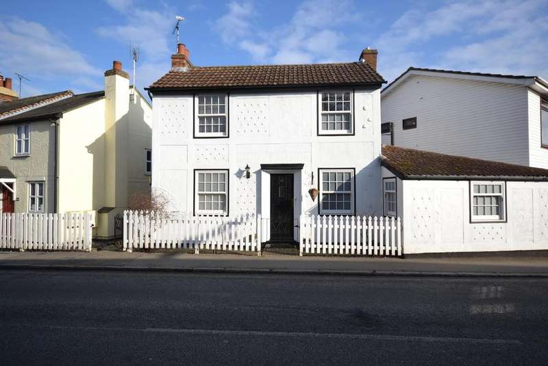 2 Bedrooms Detached House for sale in The Green, Writtle, Chelmsford, Essex, CM1