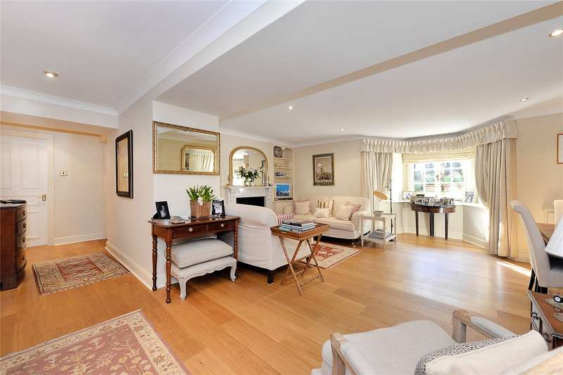 3 Bedrooms Flat for sale in Coleherne Court, The Little Boltons, Earls Court, London, SW5
