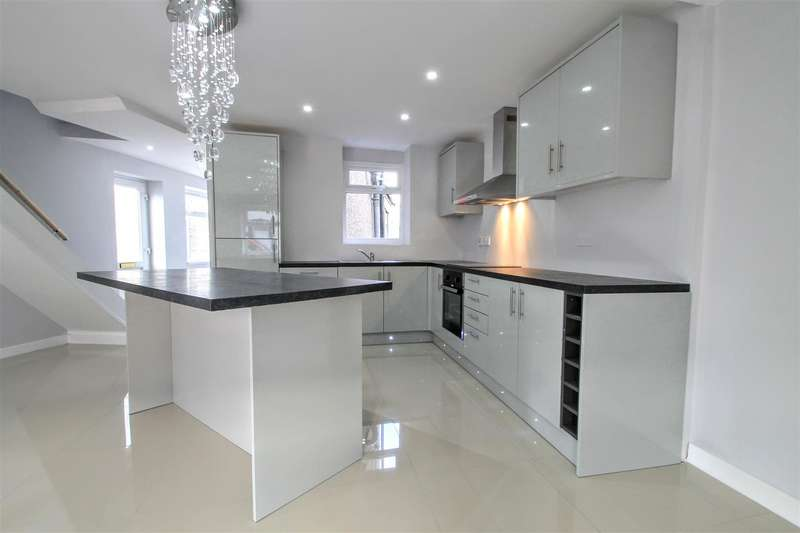 3 Bedrooms End Of Terrace House for sale in Pearl Street, Cardiff