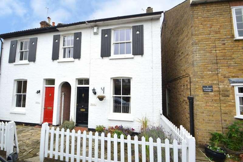 2 Bedrooms Cottage House for sale in South Road, Weybridge, Surrey, KT13