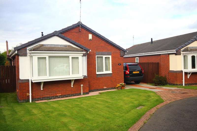 2 Bedrooms Detached Bungalow for sale in Fairways, West Monkseaton, Whitley Bay, NE25