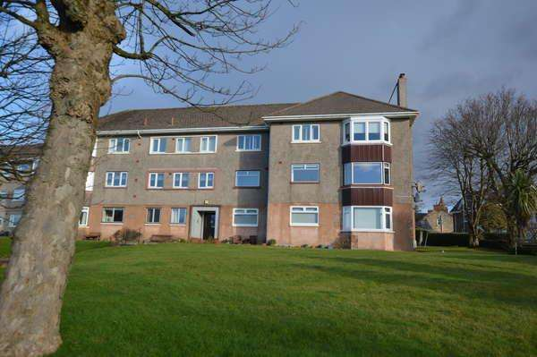 3 Bedrooms Flat for sale in 55 Overton Crescent, West Kilbride, KA23 9HG