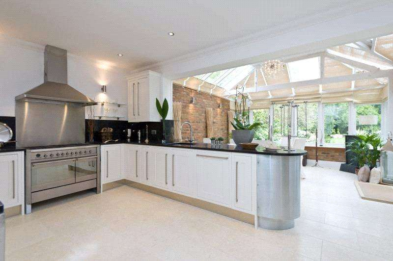 5 Bedrooms Detached House for sale in Warren Road, Coombe, Kingston Upon Thames, London, KT2