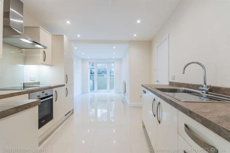 1 Bedroom Flat for sale in St Gothards Road, West Norwood