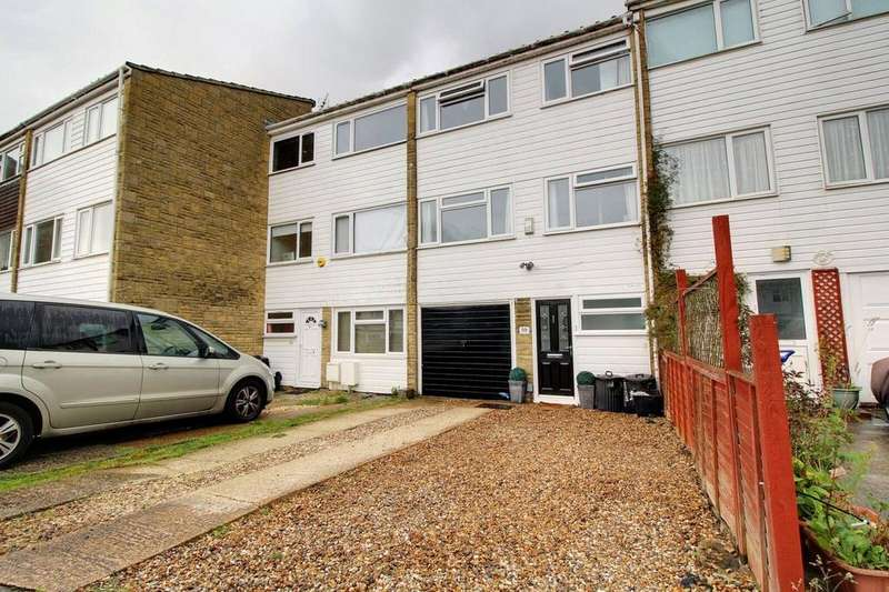 3 Bedrooms House for sale in Hanwood Close, Woodley, Reading, Berkshire, RG5