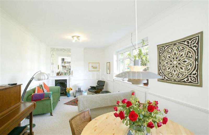 3 Bedrooms Flat for sale in Priory Road, South Hampstead, London