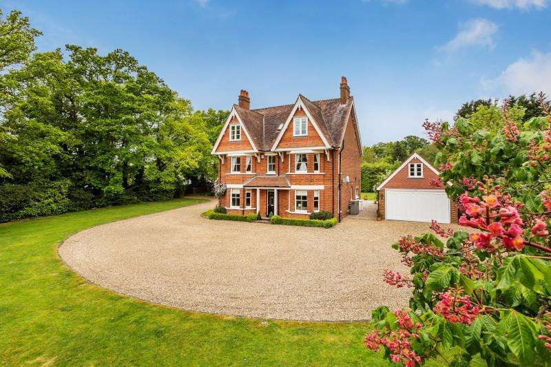 6 Bedrooms Detached House for sale in Horsham Road, Cranleigh