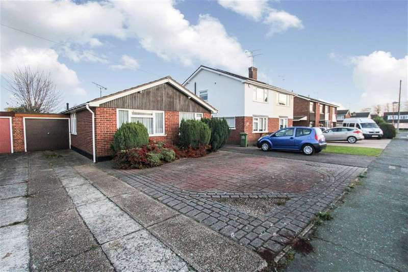 3 Bedrooms Detached Bungalow for sale in Charlotte Avenue, Wickford, Essex