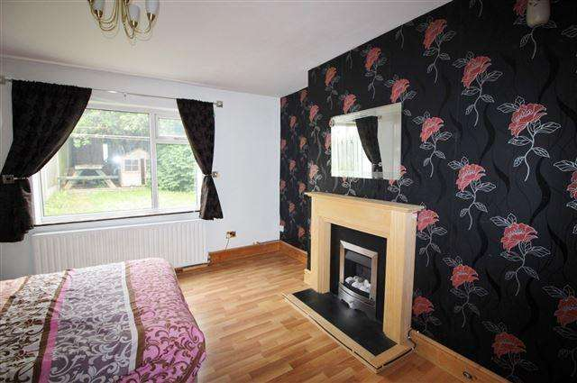 3 Bedrooms Semi Detached House for sale in Nunnery Cresent, Catcliffe, Rotherham, S60 5SE