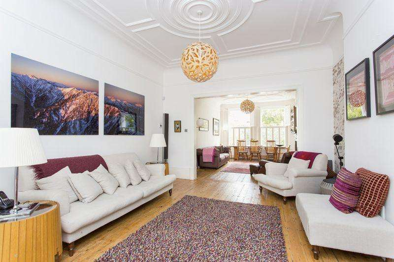 3 Bedrooms Ground Flat for sale in Jacksons Lane, London