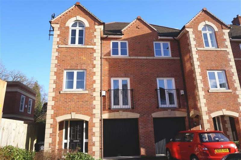 4 Bedrooms Semi Detached House for rent in Elm Tree Gardens, Leicester
