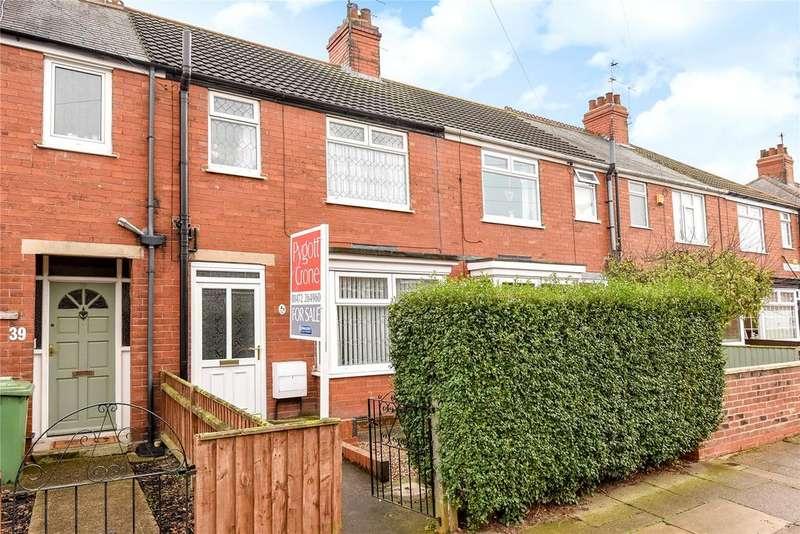 3 Bedrooms Terraced House for sale in Grange Walk, Grimsby, DN34