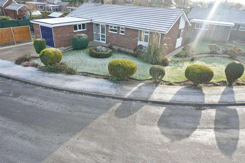 3 Bedrooms Detached Bungalow for sale in Highfield Road, SAXILBY