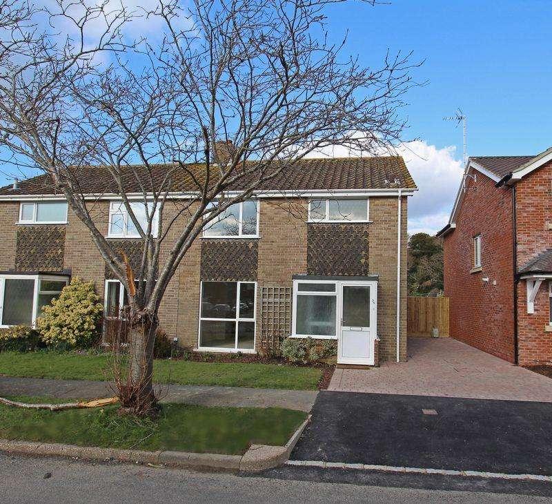3 Bedrooms Semi Detached House for sale in Ockley Way, Hassocks