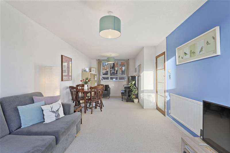 2 Bedrooms Flat for sale in Stratford Road, London, E13