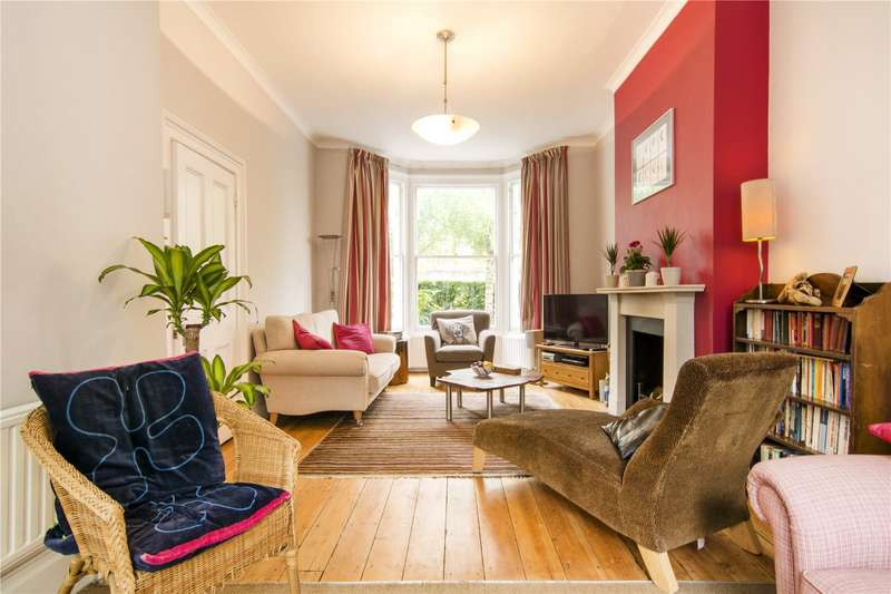 4 Bedrooms Terraced House for sale in Hampton Road, London, E7