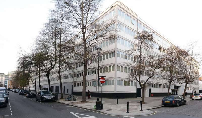 3 Bedrooms Apartment Flat for sale in Holcroft Court, Clipstone Street, London