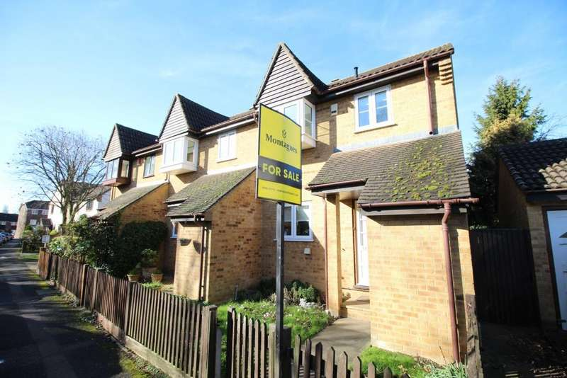 3 Bedrooms Semi Detached House for sale in Slade End, Theydon Bois, CM16