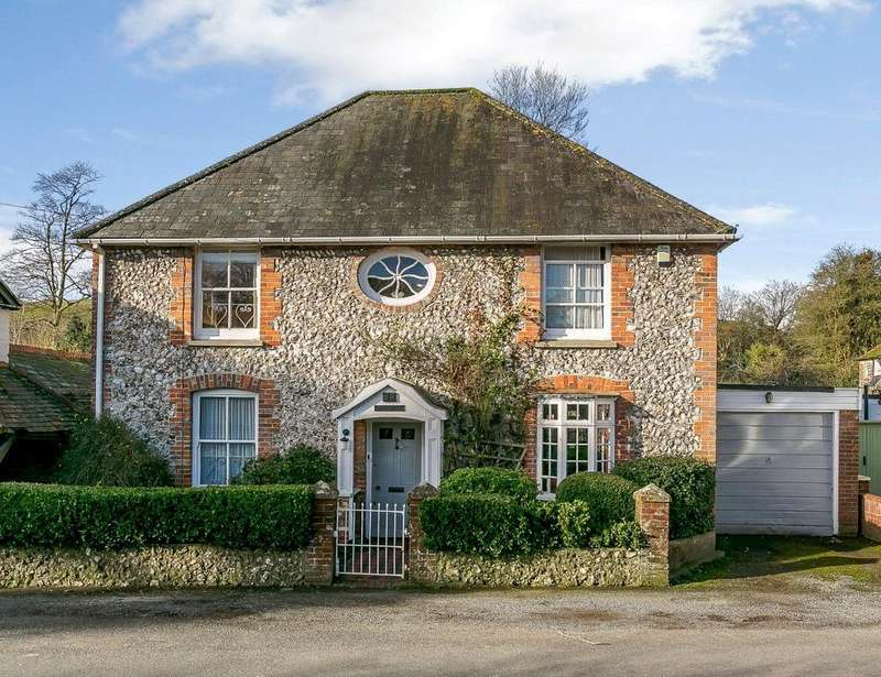4 Bedrooms Detached House for sale in High Street, Findon, Worthing, West Sussex