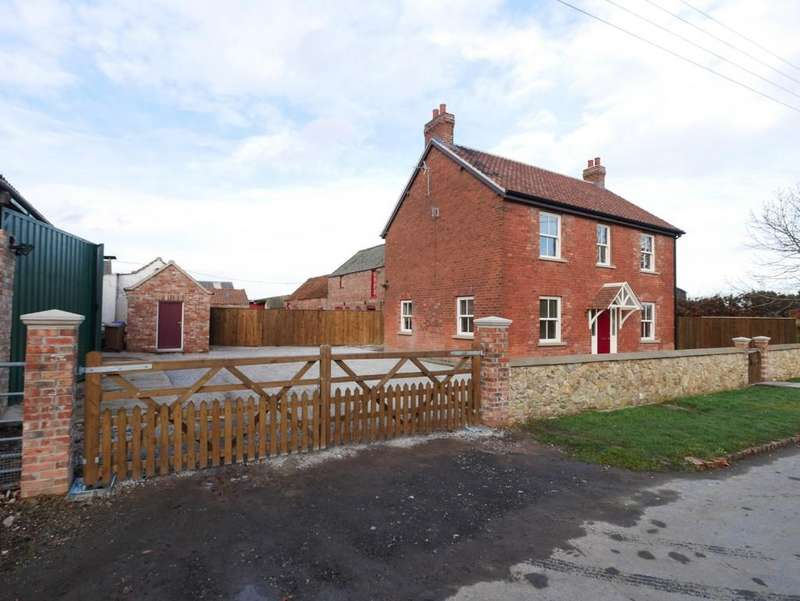 4 Bedrooms Farm House Character Property for rent in Sandholme, Gilberdyke