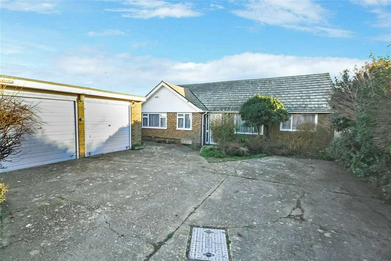 3 Bedrooms Detached Bungalow for sale in Courtlands Way, Goring By Sea, Worthing, BN12