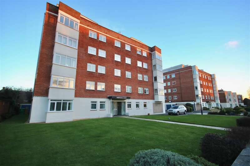 2 Bedrooms Flat for sale in Amersham Court, SOUTHSEA, Hampshire