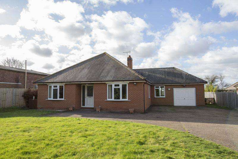 3 Bedrooms Detached Bungalow for sale in Ixworth Road, Stowlangtoft