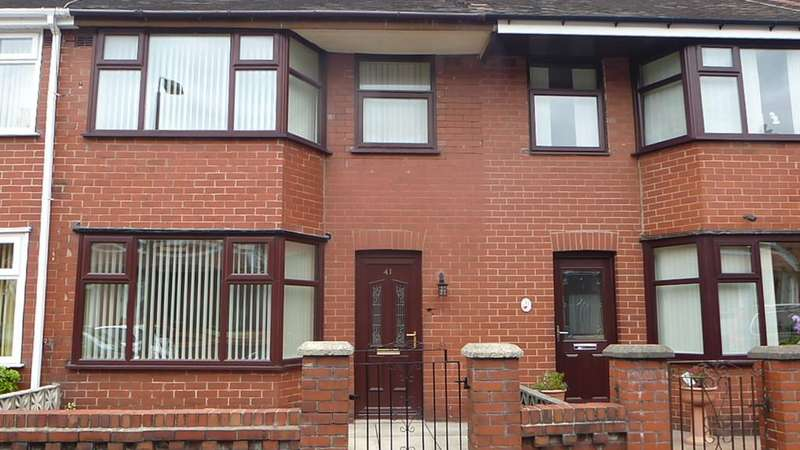 3 Bedrooms Terraced House for rent in 41 Briercliffe Road, Chorley