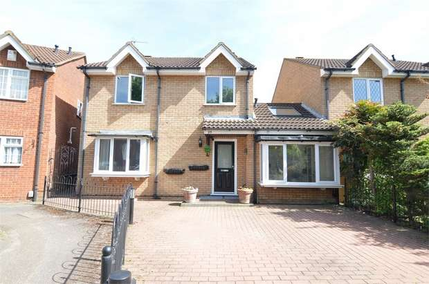 4 Bedrooms Detached House for sale in Felton Close, Broxbourne, Hertfordshire