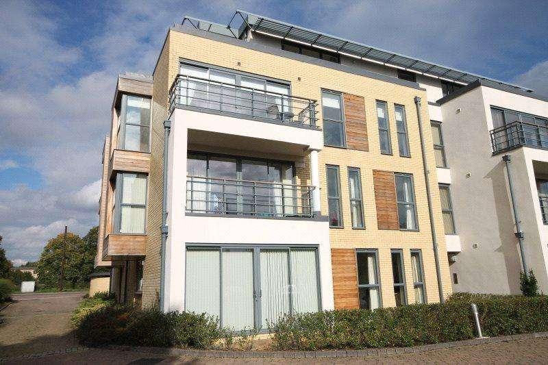 2 Bedrooms Maisonette Flat for rent in Churchill Court, 41 Madingley Road, Cambridge, CB3