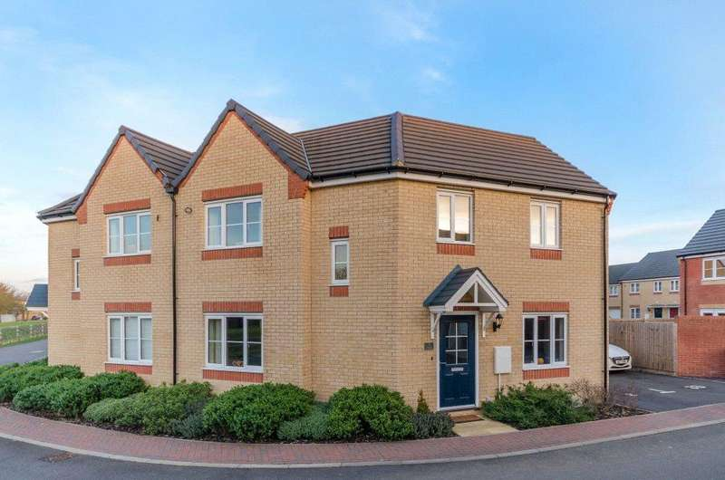 3 Bedrooms Semi Detached House for sale in Shelsley Walsh Rise, Bourne, PE10