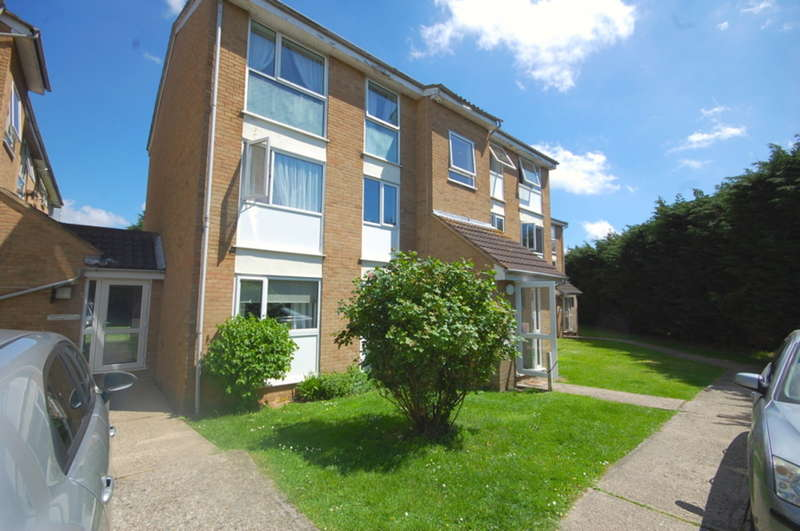 1 Bedroom Apartment Flat for sale in Lupin Drive, Springfield, Chelmsford, CM1