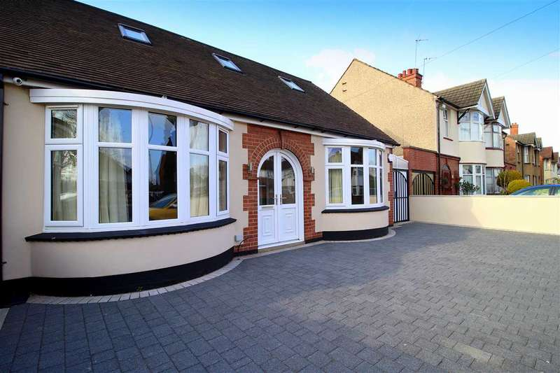 4 Bedrooms Bungalow for sale in Elstow Road, Bedford