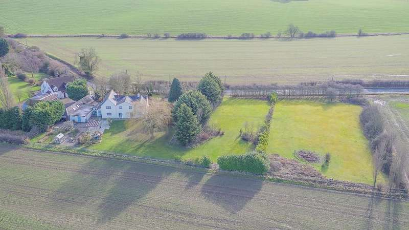 4 Bedrooms Farm House Character Property for sale in Bardfield End Green, Thaxted, Dunmow