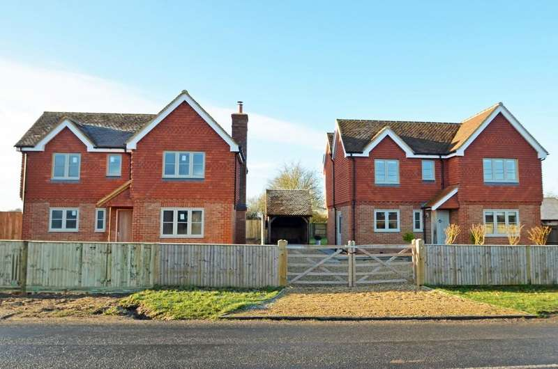 4 Bedrooms Detached House for sale in Alfold, Cranleigh